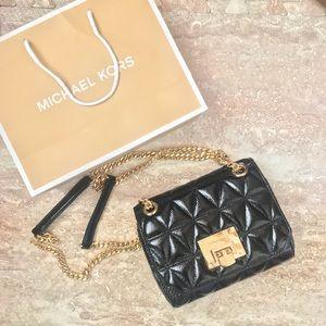 ❗️NWT❗️Michael Kors - Vivianne leather purse